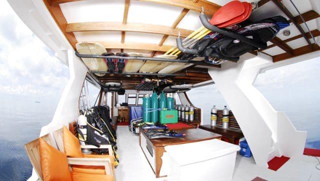 dhaainkan baa liveaboard charter luxury scuba diving maldives