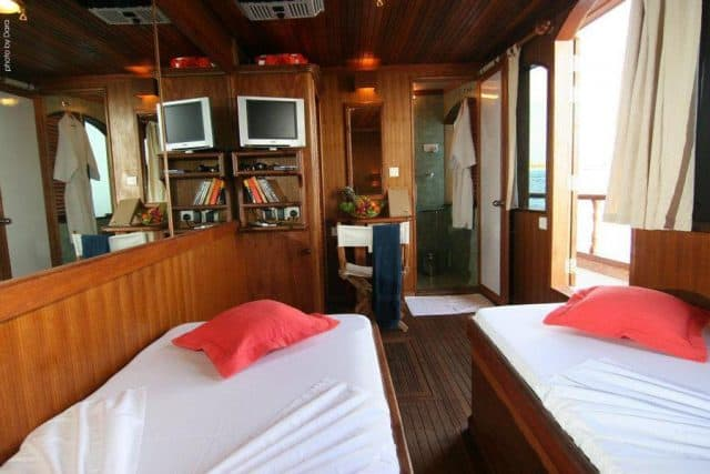 dhoni stella 1 maldives charter liveaboard diving