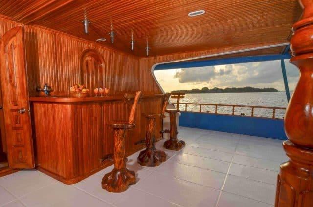 mv carina maldives liveaboard diving