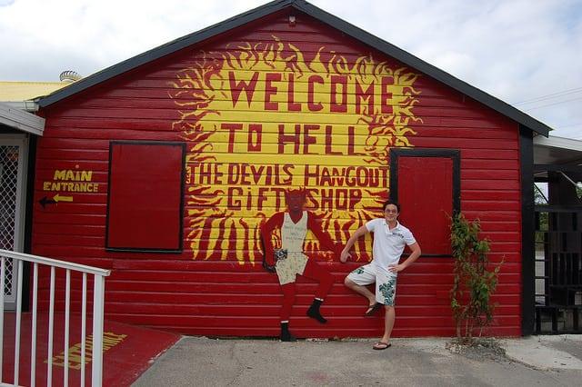 scuba diving hell grand caymans