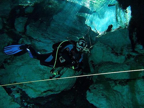 scuba diving cenoter mexico