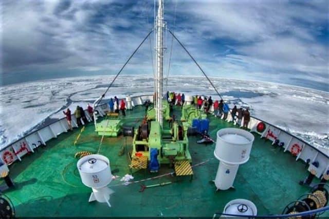 ortelius adventure diving cruise antarctica liveaboard