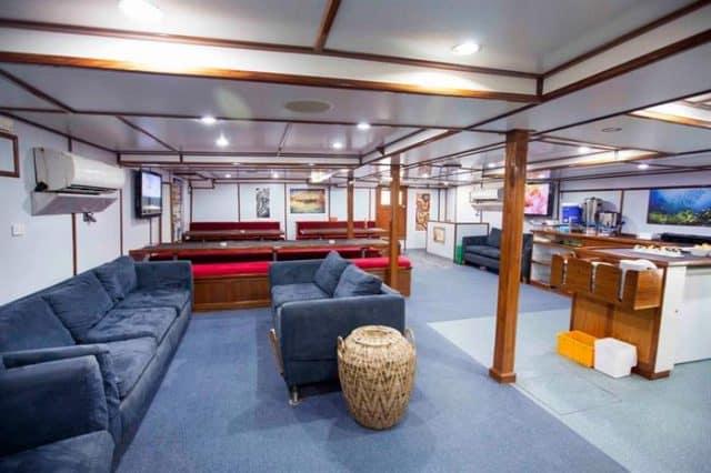 solomon master papua new guinea diving cruise
