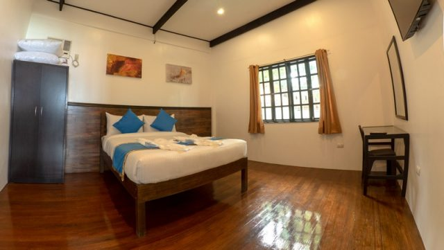 anilao dive resort philippines
